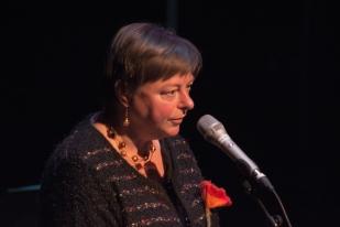 Hilde maakt een poëtische reis om de wereld in drie gedichten …