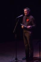 Pazzo Erwin vermaakt de luisteraars met drie liefdesgedichten: van 'Molly Bloom' in Ierland tot een 'Gay tango'.